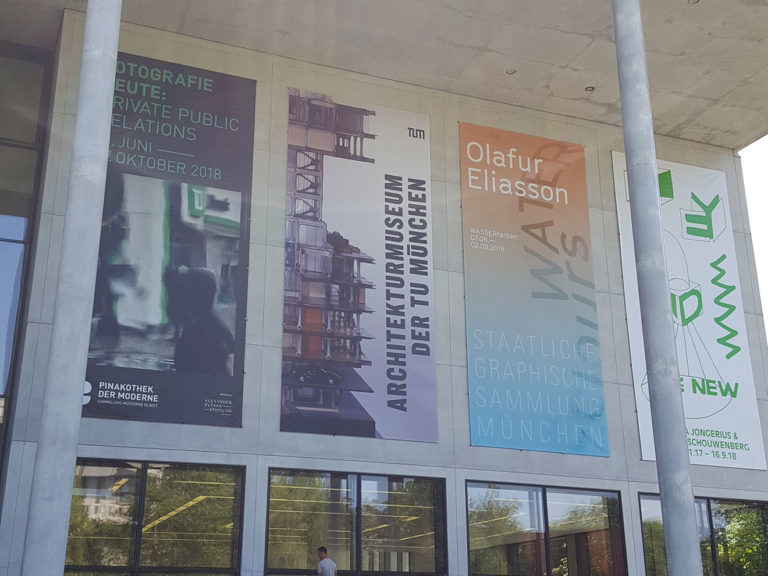 Starnberger Mietgeräte, Die AS 10E vor der Pinakothek in München